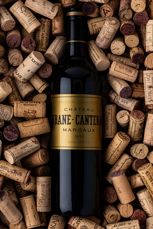 Bouteille de vin Margaux dans des bouchons