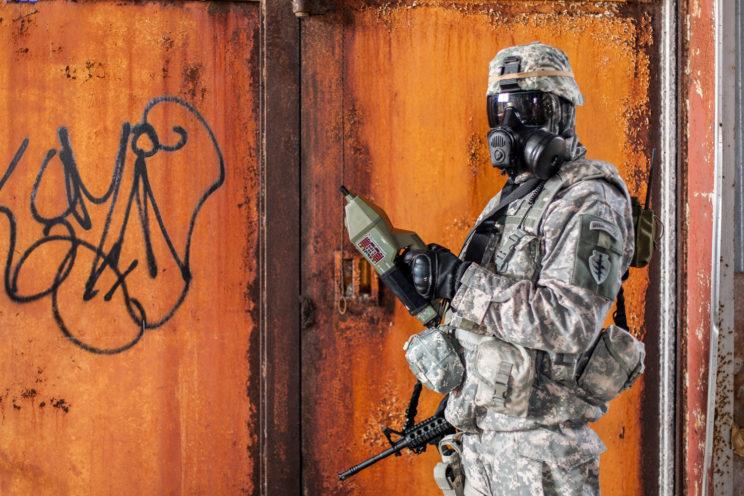 portrait militaire outil analyse chimique