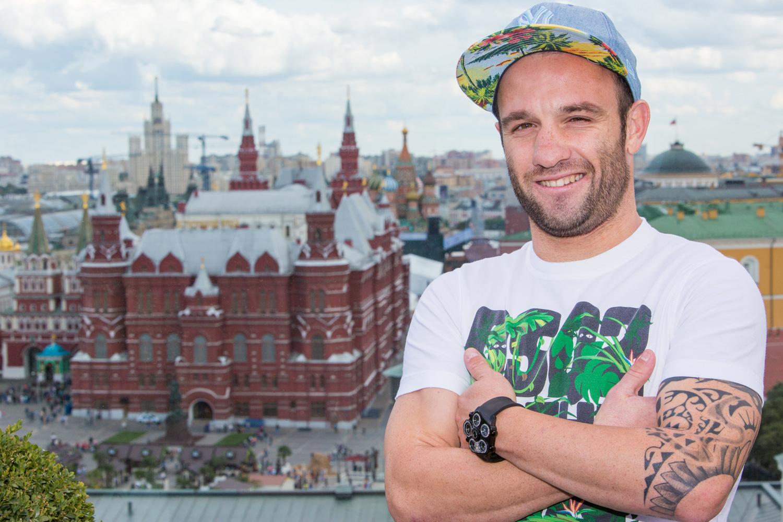 Portrait pour le journal l'Equipe devant la place Rouge à Moscou de Mathieu Valbuena