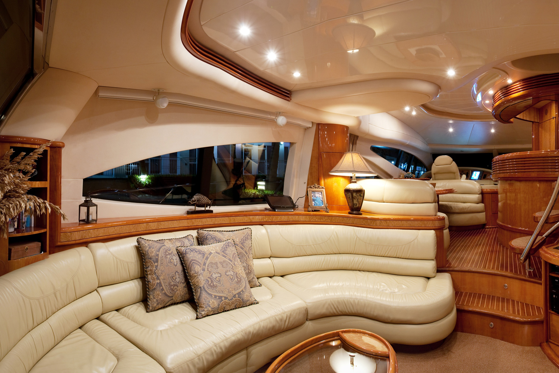 Cabine intérieur du yacht à Miami, FL