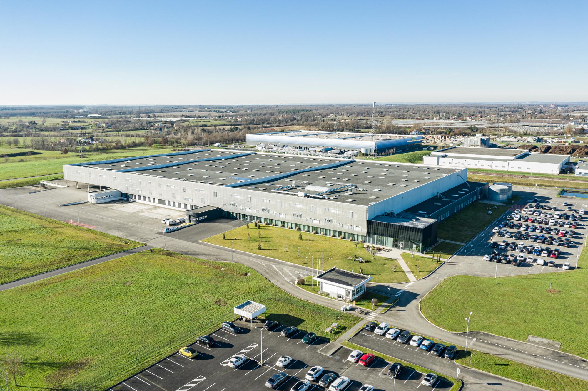 Réalisation de photographies aérienne par drone d'une usine